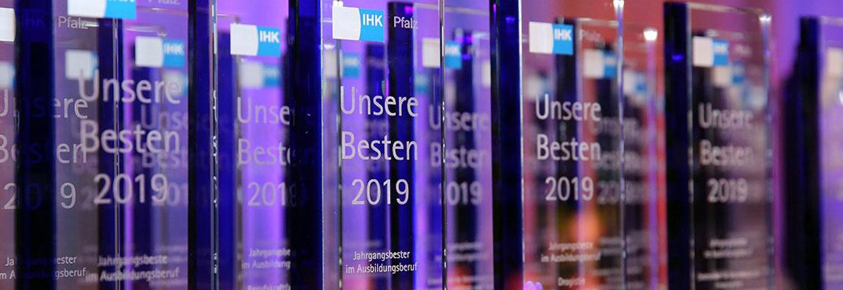 Glaspokale mit Lasergravur für die IHK Auszeichnung
